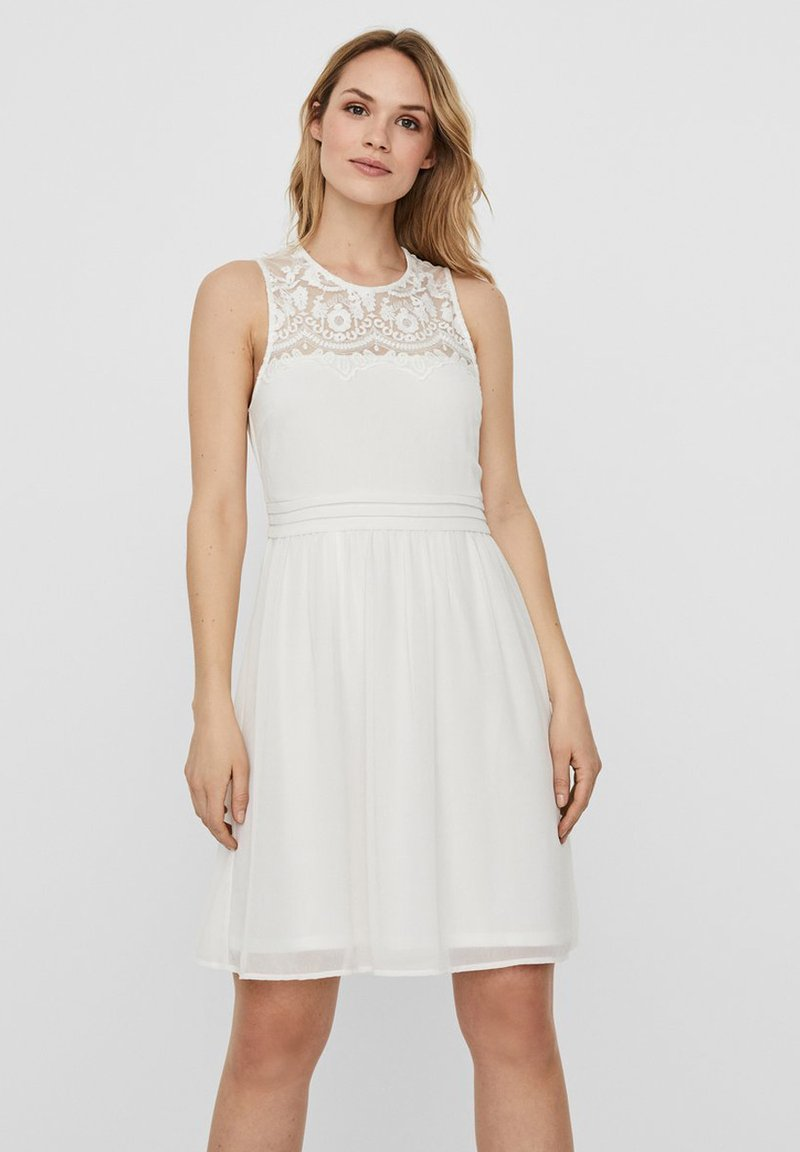 Vero Moda - VMVANESSA SHORT DRESS - Vestido de cóctel - snow white
