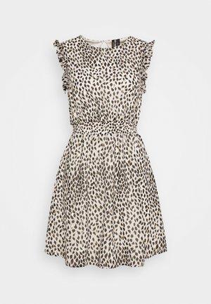VMPENNY SHORT DRESS - Denní šaty - birch/penny