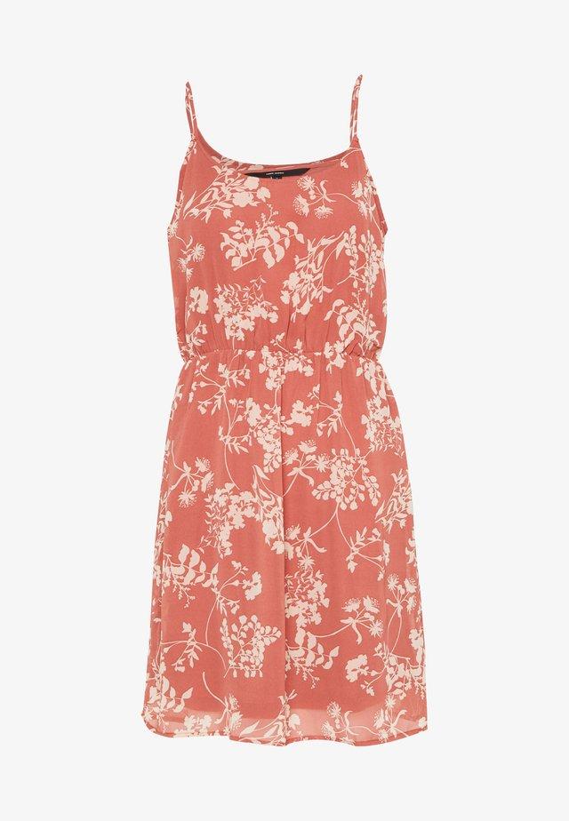 VMDIRIS SINGLET SHORT DRESS - Vardagsklänning - marsala