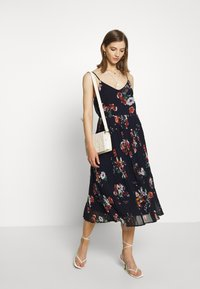 Vero Moda - VMLOVELY PLEAT SINGLET CALF DRESS - Day dress - navy blazer - 1