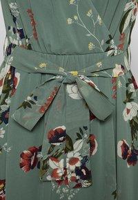 Vero Moda - VMLOVELY V NECK LONG DRESS - Maxikjole - laurel wreath - 2