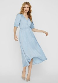 Vero Moda - MAXIKLEID V-AUSSCHNITT - Maxi-jurk - ashley blue - 1