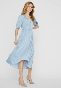 Vero Moda - MAXIKLEID V-AUSSCHNITT - Maxi-jurk - ashley blue - 0
