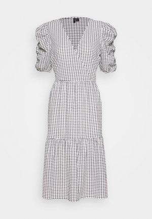 VMSIE DRESS PUFF - Vestido informal - black/white