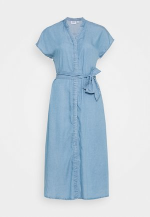 VMSAGA LONG BELT DRESS - Spijkerjurk - light blue denim