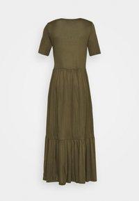Vero Moda - VMMITSI V-NECK ANCLE DRESS - Maxi-jurk - ivy green - 1