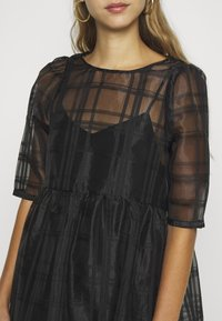 Vero Moda - VMVAVA DRESS - Vestito estivo - black - 5