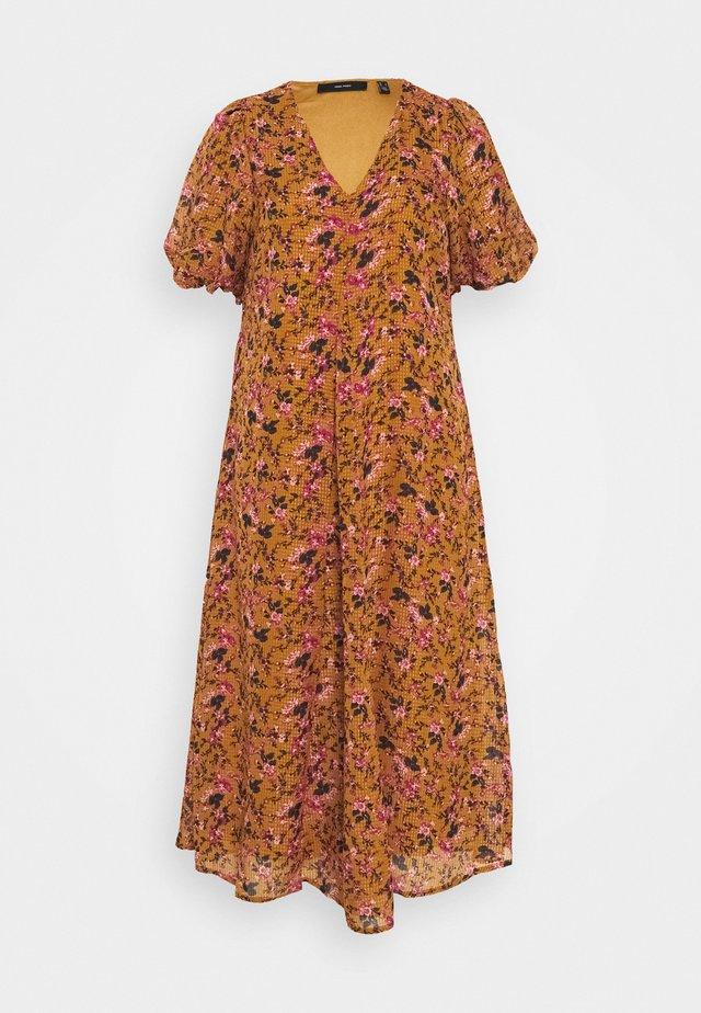 VMVILDE CALF DRESS - Vapaa-ajan mekko - buckthorn brown
