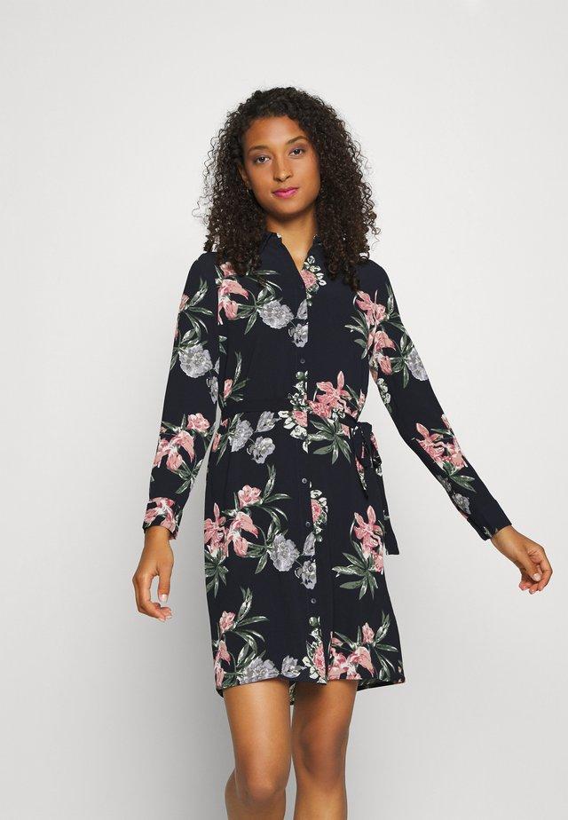 VMSAGA COLLAR DRESS  - Sukienka koszulowa - navy blazer