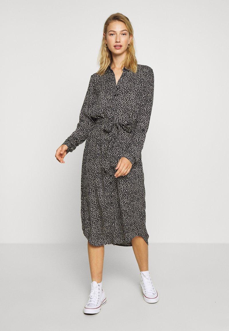Vero Moda - VMSIMONE FOLD UP DRESS  - Blousejurk - khaki