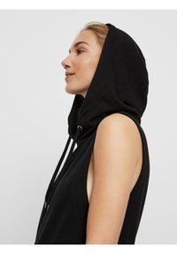 Vero Moda - Vestito di maglina - black - 4