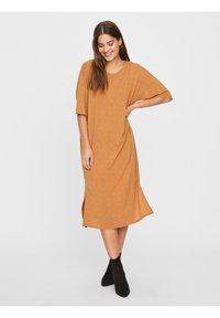 Vero Moda - Vestito di maglina - meerkat - 0