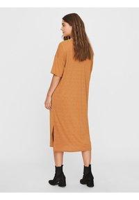 Vero Moda - Vestito di maglina - meerkat - 2