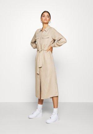 VMTEAGAN UTILITY 7/8 DRESS - Shirt dress - beige