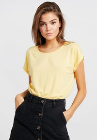 Vero Moda - VMAVA PLAIN - T-shirt basic - yarrow - 0