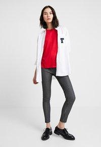 Vero Moda - VMAVA PLAIN - T-shirt basic - chinese red - 1
