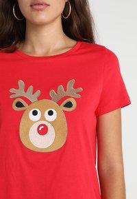 Vero Moda - VMREINDEER CHRISTMAS - T-shirts print - chinese red - 4