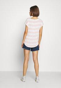 Vero Moda - VMWIDE STRIPE TOP  - T-shirts med print - sepia rose/snow white - 2