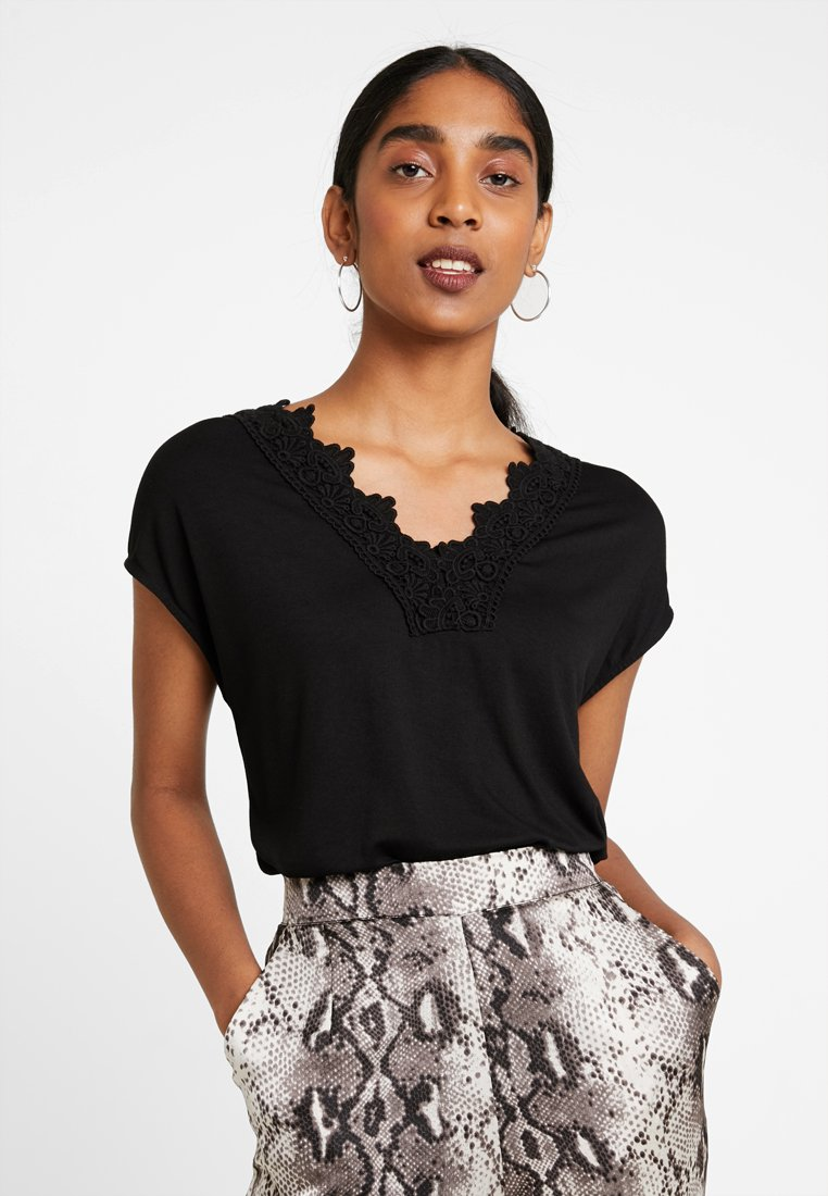 Vero Moda - Print T-shirt - black