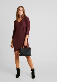 Vero Moda - VMKIA HONIE LOOSE LONG - Jersey dress - port royale - 1