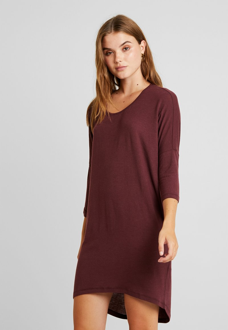 Vero Moda - VMKIA HONIE LOOSE LONG - Jersey dress - port royale