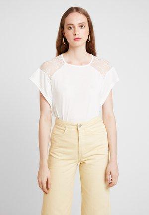 VMKASANDRA  - Print T-shirt - snow white