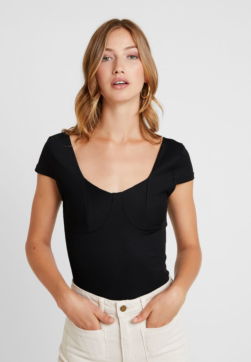 Vero Moda - VMZOIE CAP SLEEVE - T-shirts med print - black