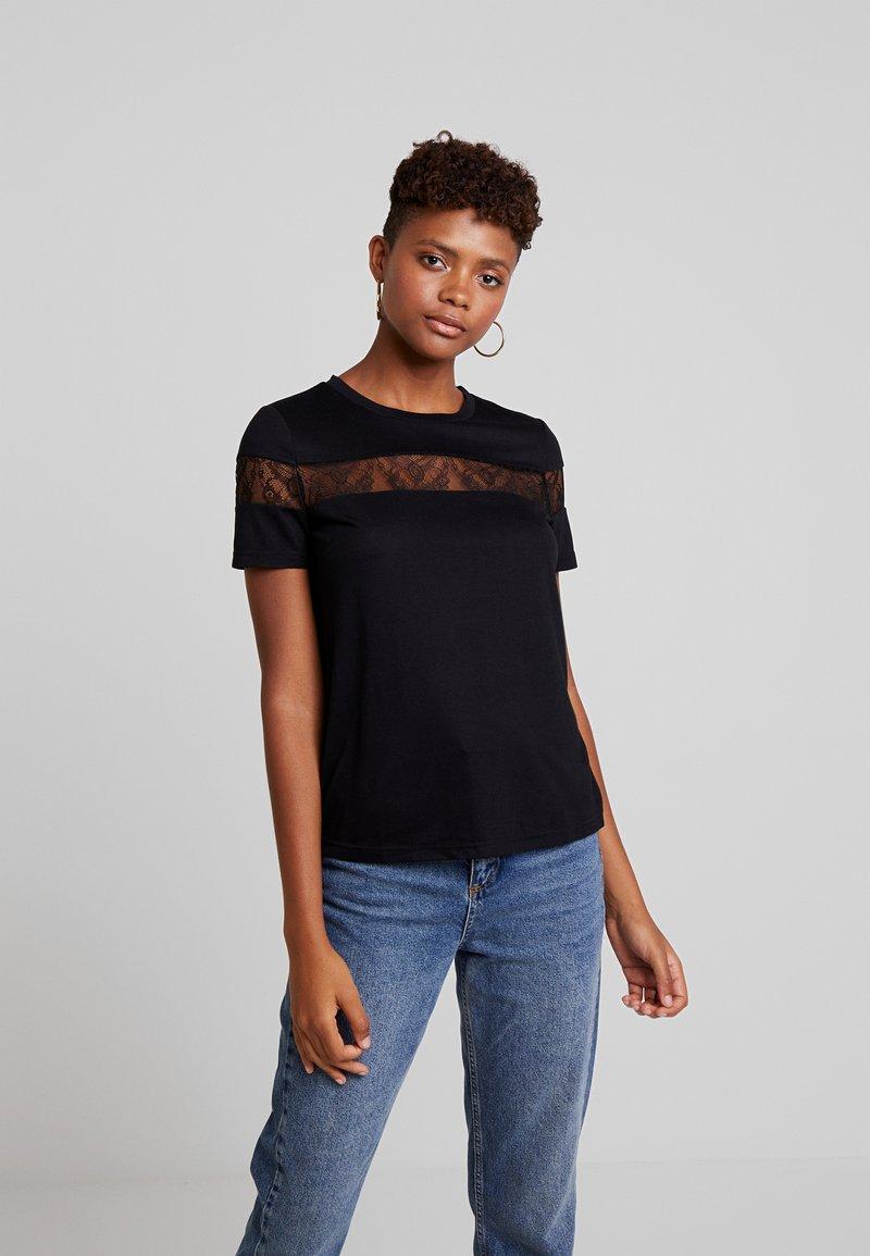 Vero Moda - VMKASANDRA O NECK - T-shirt imprimé - black