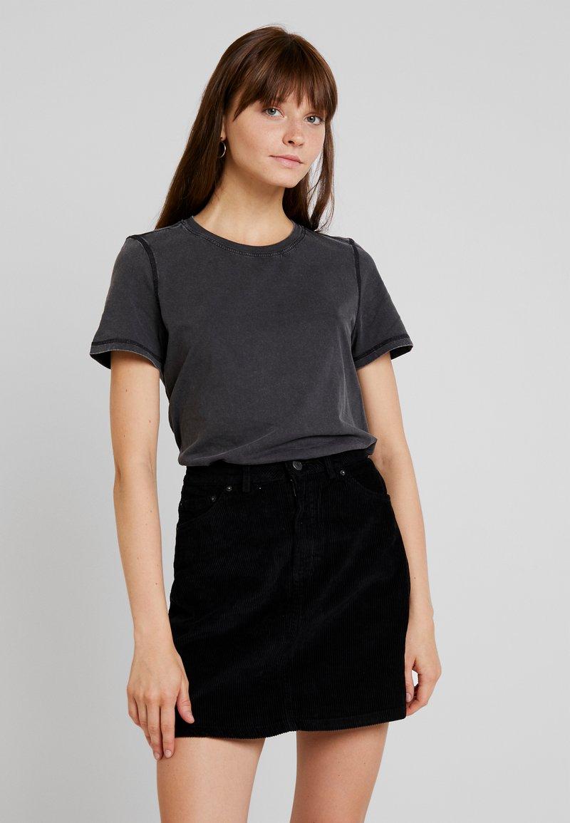 Vero Moda - VMCOLINE OLLY BOX - T-Shirt basic - black