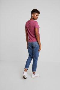 Vero Moda - VMCOMO FRANCIS - Print T-shirt - hawthorn rose - 2