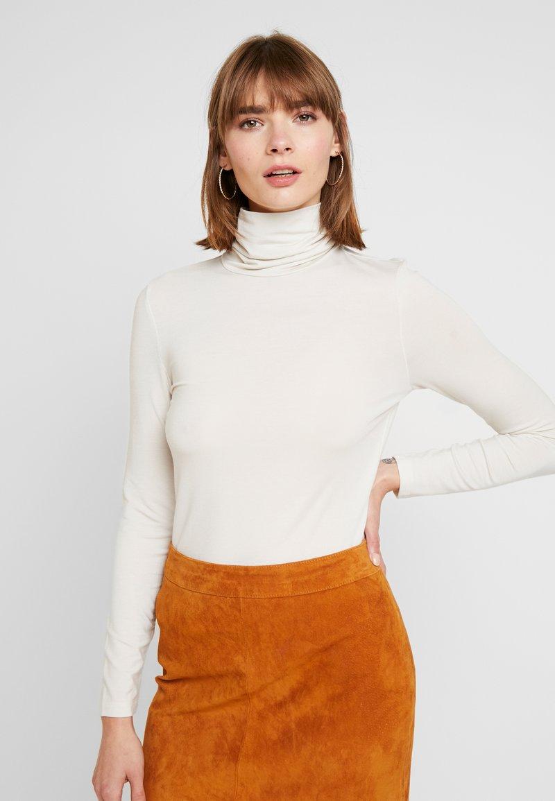 Vero Moda - VMAVA LULU ROLLNECK BLOUSE - Camiseta de manga larga - birch