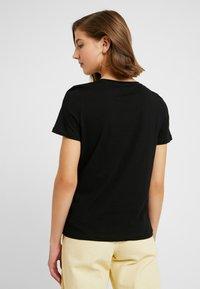 Vero Moda - VMEMINA FRANCIS BOX - T-shirt print - black - 2