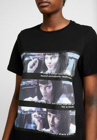 Vero Moda - VMPULPFICTION - T-shirt imprimé - black - 4