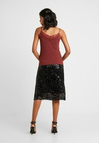 Vero Moda - VMBIRSA SINGLET - Top - madder brown - 2