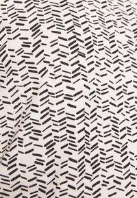 Vero Moda - VMAVA - T-shirts med print - birch/gokaldas - 5