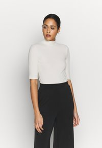 Vero Moda - VMISLA 2/4 HIGH NECK TOP GA VO - T-shirt basic - birch - 0
