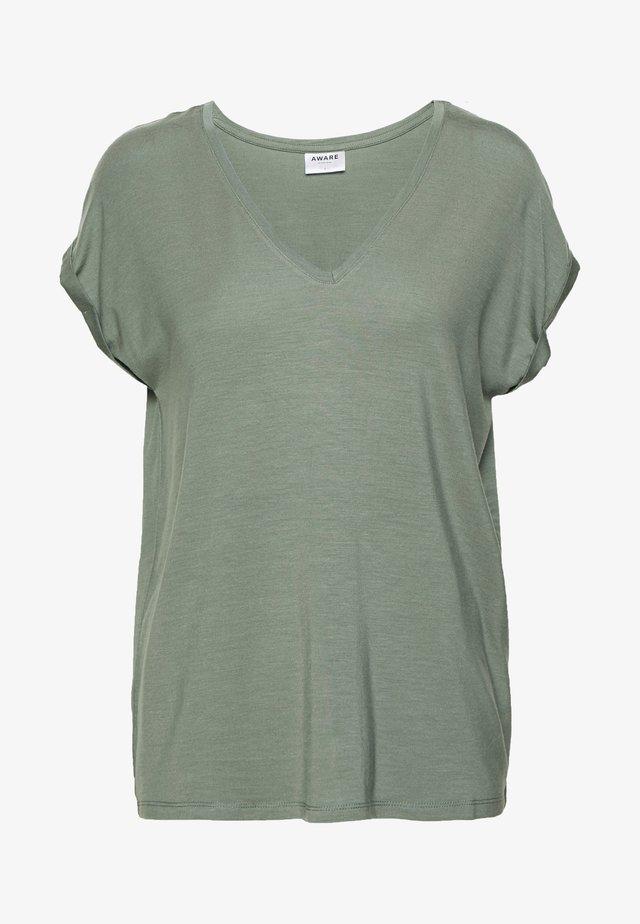 VMAVA V-NECK TEE - T-shirt - bas - laurel wreath
