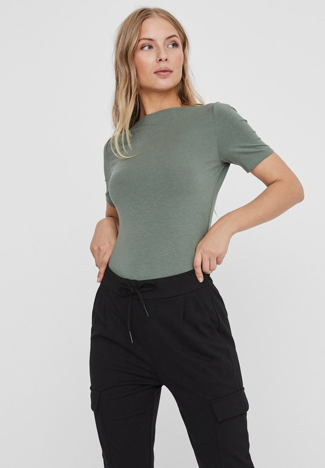 VMPANDA NOOS - T-shirt basic - laurel wreath