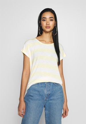VMWIDE COLOR - T-shirts med print - pale banana/snow white