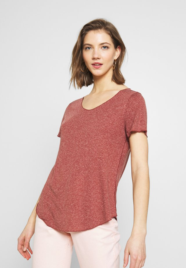 VMHANNELUA BOX  - T-shirt - bas - sable