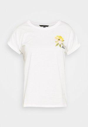 VMVENJAAVA WIDE BOX  - Print T-shirt - white