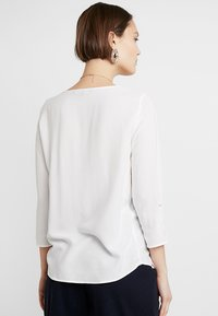 Vero Moda - VMBUCI 3/4 FOLD UP - Bluser - Snow White - 2
