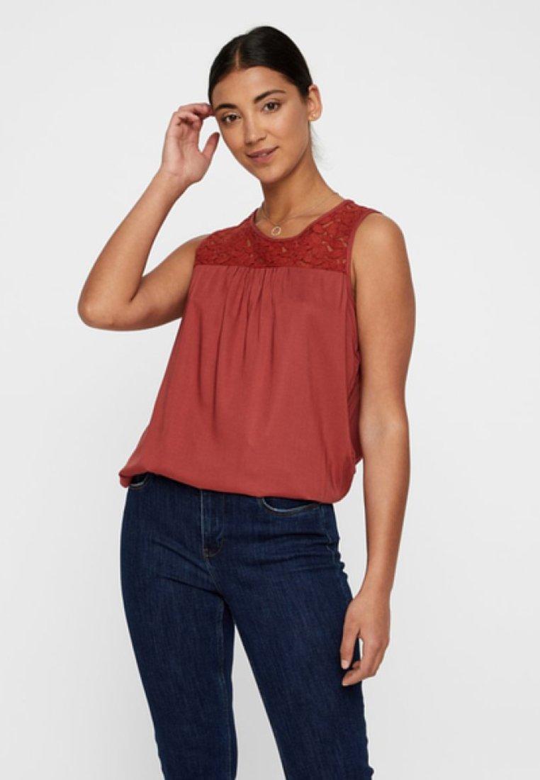 Vero Moda - VMDEBBIE - Bluse - brown