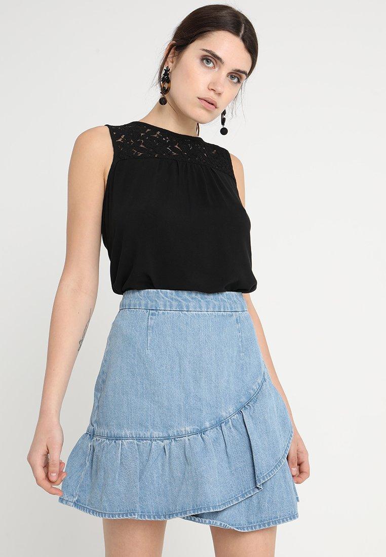 Vero Moda - VMDEBBIE - Bluse - black