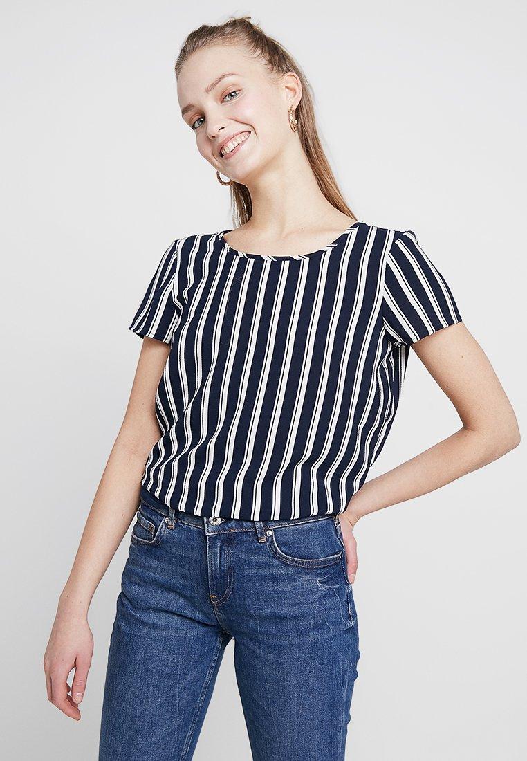 Vero Moda - VMSASHA - Bluse - navy blazer/snow white coco
