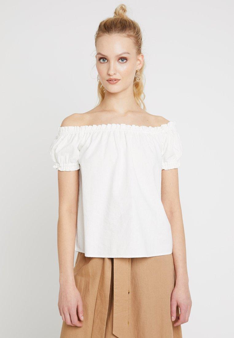 Vero Moda - VMANNA MILO OFF SHOULDER - Bluse - snow white