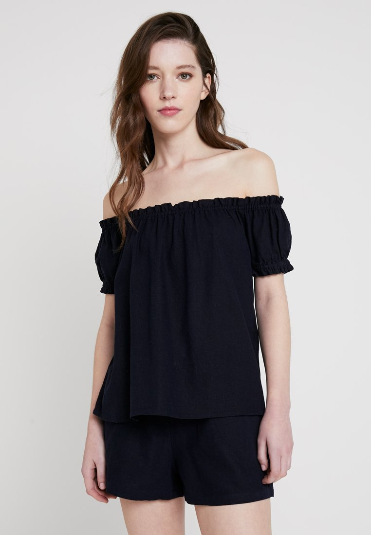 Vero Moda - VMANNA MILO OFF SHOULDER - Bluse - night sky