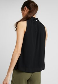 Vero Moda - REGULAR FIT - Blůza - black - 2