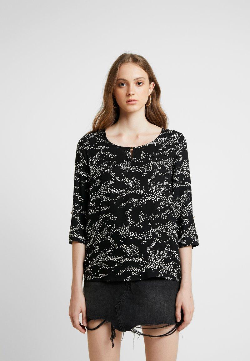 Vero Moda - VMAUTUMN AMAZE 3/4 FOLD UP - Bluse - black/emma