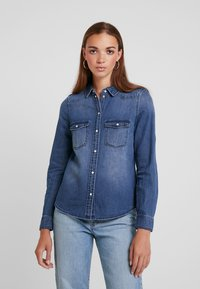 Vero Moda - Overhemdblouse - medium blue denim - 0